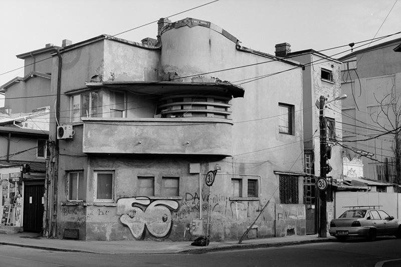 Nouveau-Noir-Boekarest-20151221-olympus-om1-008