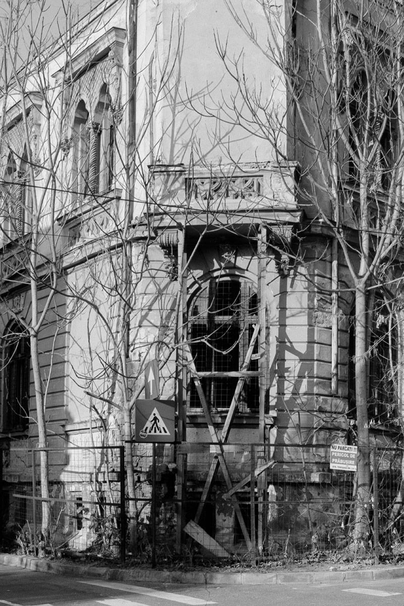 Nouveau-Noir-Boekarest-20151221-olympus-om1-021